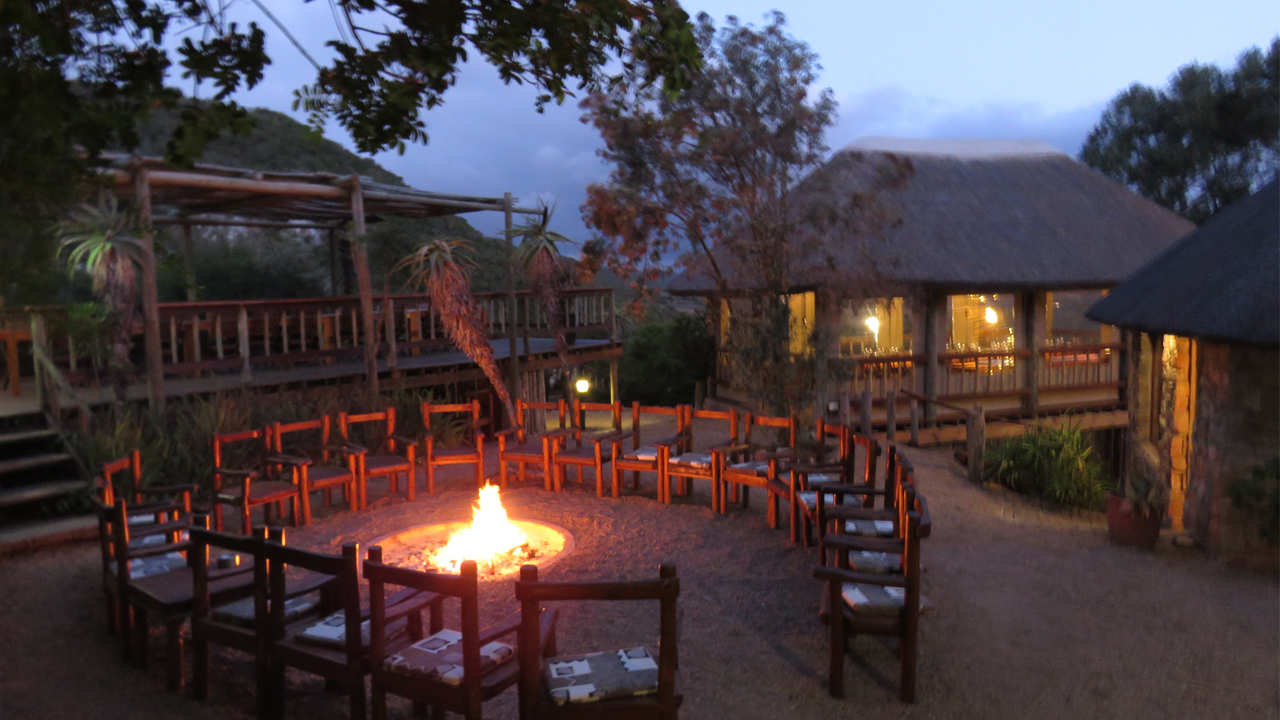 Amakhala Game Reserve Woodbury Lodge Outdoor Boma Night