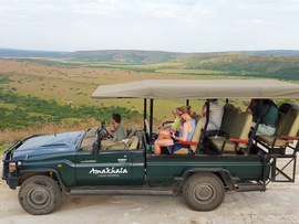 Amakhala Game Reserve Guests On Safari