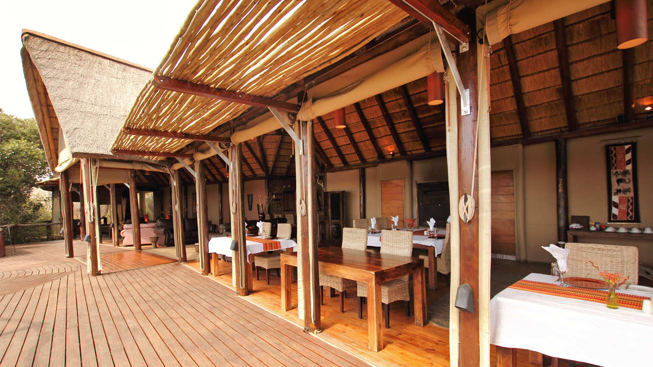 Amakhala Game Reserve Bush Lodge Deck Dining
