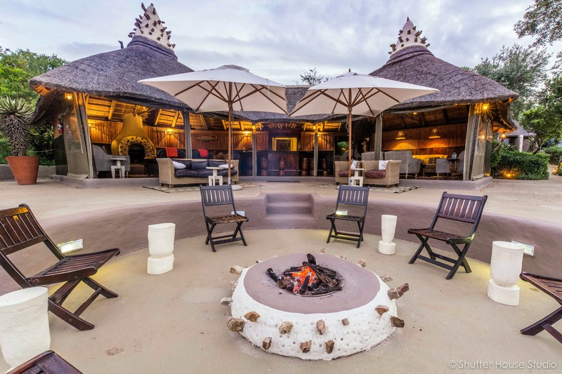 Safari Lodge Amakhala Game Reserve Lounge Fire