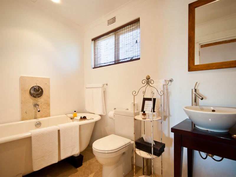 Amakhala Game Lodge Leeuwenbosch Country House Bathroom1 Regular